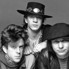 stevie-ray-vaughan-and-double-trouble-1200-80